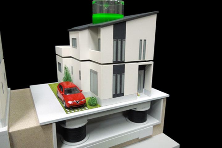 卓上で使える手動式の免震模型
