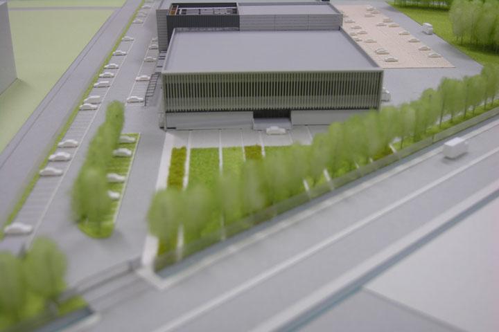 大変小さなスケールの模型ですがファサードのメインとなるルーバー部はしっかりと作り込み