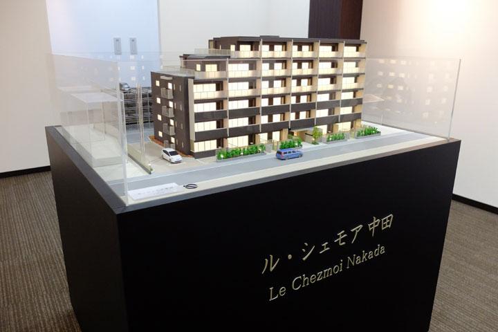模型の展示台