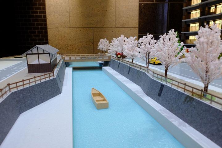 川の渡し船の模型