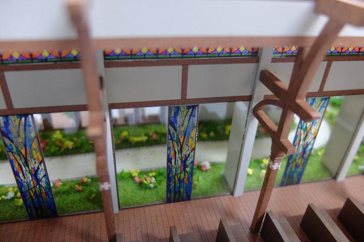 結婚式場のステンドガラス模型