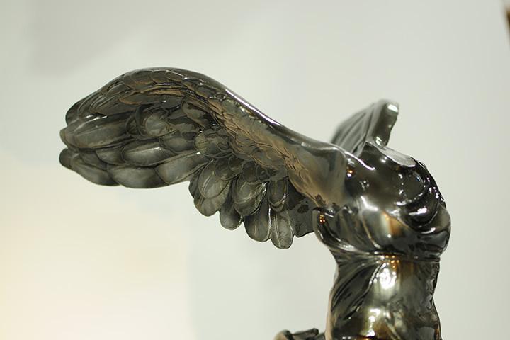 銅風に塗装した石膏像